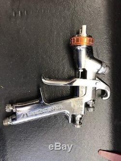Anest Iwata LPH-400 HVLP Paint Spray Gun