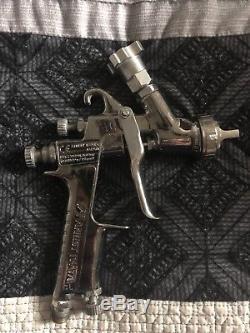 Anest Iwata Lph300lv 1.4 Pistolet À Peinture Par Gravité Hvlp