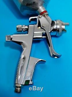 Le Pistolet De Pulvérisation 1.3 De Peinture De SATA Jet 4000 B Hvlp Bout Avec Le Cycle De Moteur De Camion De Voiture De Bidon